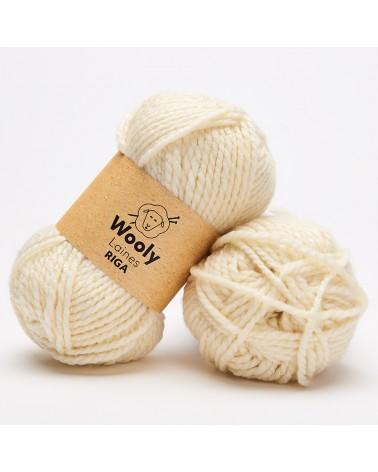 PELOTE DE LAINE RIGA Pelote de 100 gr. RIGA est une laine authentique et résistante. Ce fil facile à tricoter convient parfaite