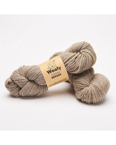 PELOTE DE LAINE BERGER 100 % LAINE NATURELLE Pelote de 100 gr. Berger possède une fibre 100 % laine naturelle issue de la tois