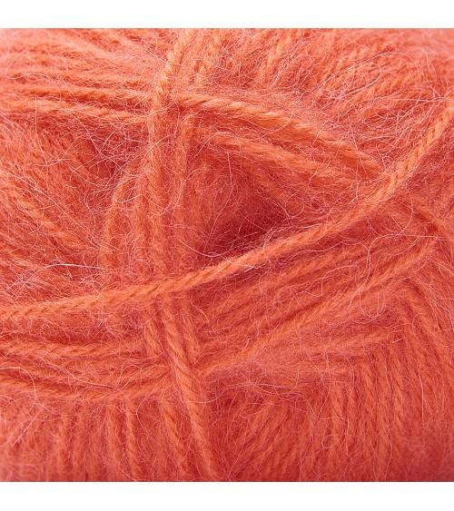 Pelote de Laine Wooly Alpaga Pelote de 100 / 50 gr. WOOLY ALPAGA est une des laines les plus douces du marché. Elle possède une